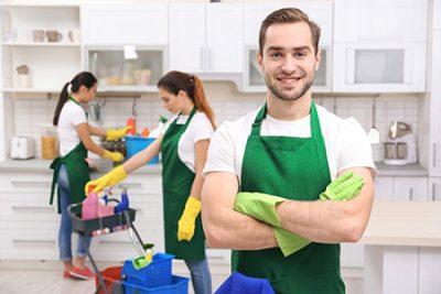 Има ли смисъл от наемането на фирма за професионално почистване на дома?